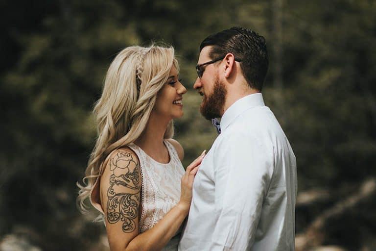 18 Onekliga Tecken På Att Han Är Hemligt Förälskad I Dig