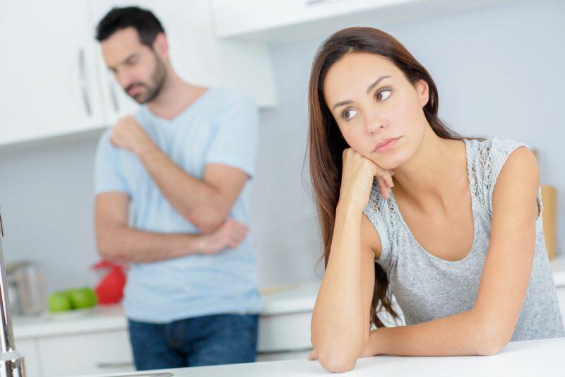 Par som har ett argument i köket