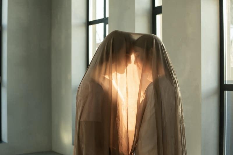 par täckt med transparent filt