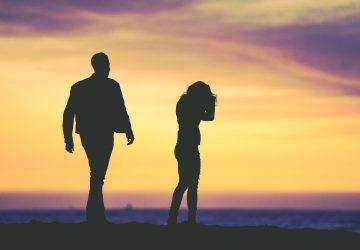 siluett av upprörda par