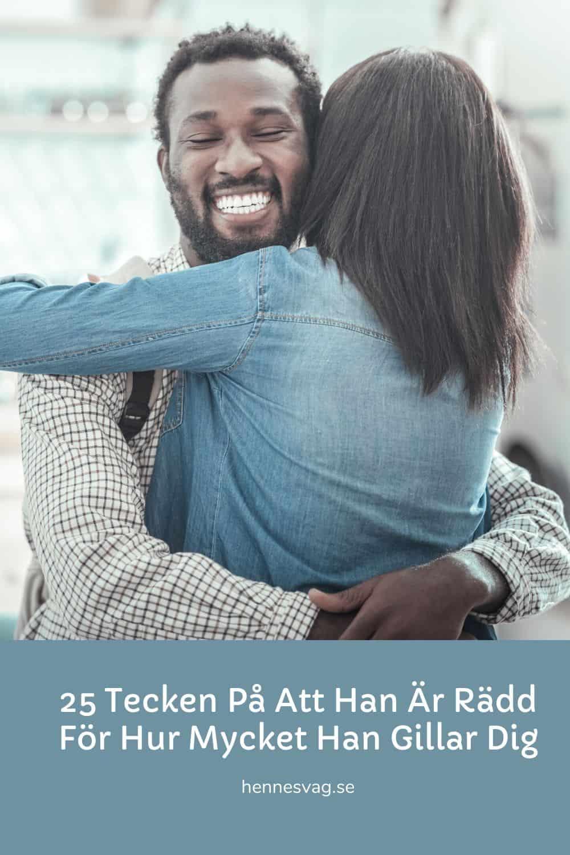 25 Tecken På Att Han Är Rädd För Hur Mycket Han Gillar Dig