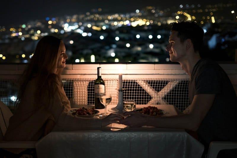 Första dejten – din överlevnadsguide med 9 tips