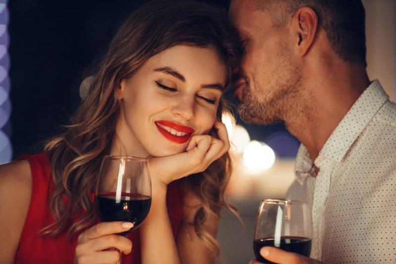 höja romantisk dejt)