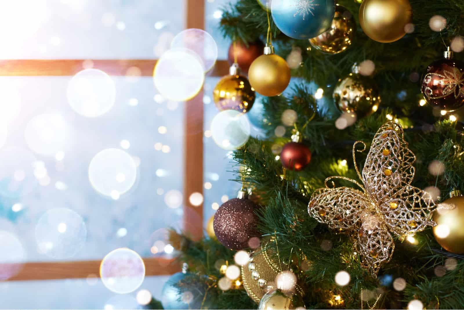 Juldekorationer och leksaker
